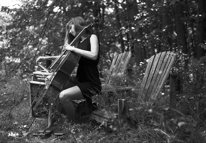 rebecca_playing_cello-800