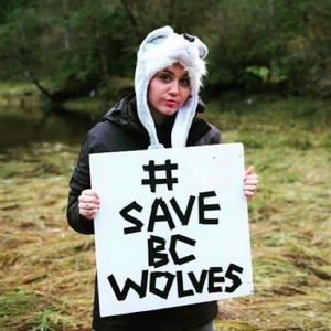 Miley-Cyrus-Wants-to-Save-the-Wolves